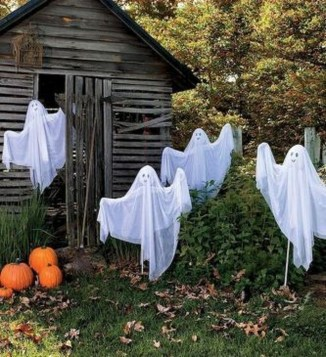 Newest Diy Outdoor Halloween Decor Ideas That Very Scary 07