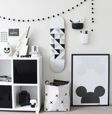 Adorable Disney Room Design Ideas For Your Childrens Room 27