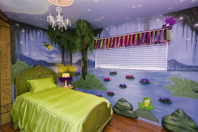 Adorable Disney Room Design Ideas For Your Childrens Room 39