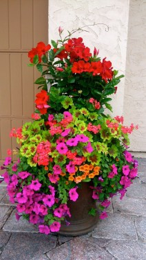 Perfect Porch Planter Design Idseas That Will Give Your Exterior A Unique Look 34