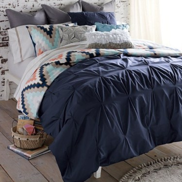 Beautiful Navy Blue And Coral Bedroom Decor35