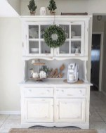 Gorgeous Dining Room Hutch Décor Ideas26