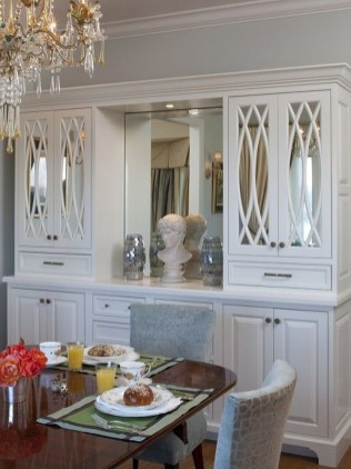 Gorgeous Dining Room Hutch Décor Ideas36