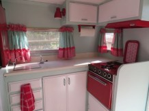 Adorable Vintage Travel Trailers Remodel Ideas32