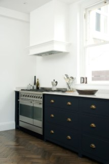 Best Ideas For Black Cabinets In Kitchen01