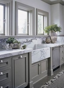 Incredible Farmhouse Gray Kitchen Cabinet Design Ideas14