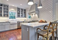Incredible Farmhouse Gray Kitchen Cabinet Design Ideas15