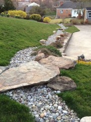 Cool Front Yard Rock Garden Ideas04