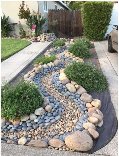 Cool Front Yard Rock Garden Ideas10