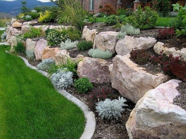 Cool Front Yard Rock Garden Ideas29