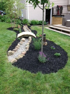 Cool Front Yard Rock Garden Ideas36