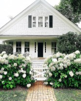 Stunning Farmhouse Home Exterior Ideas23