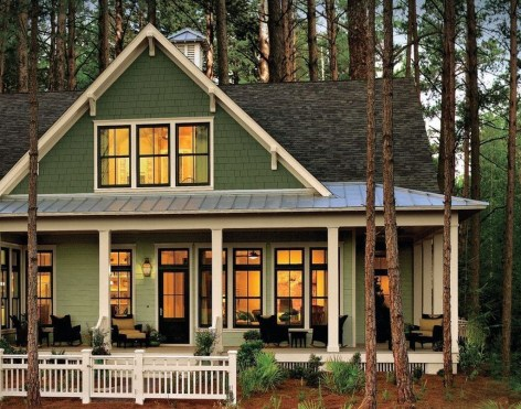 Stunning Farmhouse Home Exterior Ideas37