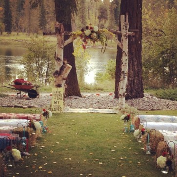 Unique Fall Wedding Decor On A Budget16
