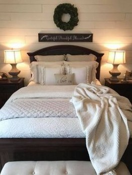 Amazing Farmhouse Style For Cozy Bedroom Decorating Ideas31