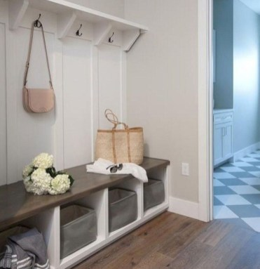 Beautiful Farmhouse Mudroom Remodel Ideas21