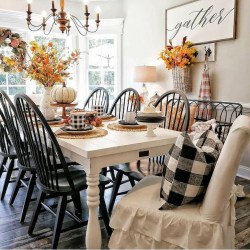 Charming Home Fall Decorating Ideas With Farmhouse Style03