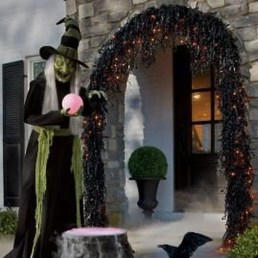 Stylish Wicked Halloween Porch Decorating Ideas On A Budget11