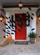 Stylish Wicked Halloween Porch Decorating Ideas On A Budget15