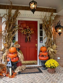 Stylish Wicked Halloween Porch Decorating Ideas On A Budget32