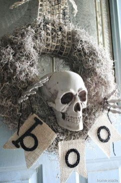 Stylish Wicked Halloween Porch Decorating Ideas On A Budget47