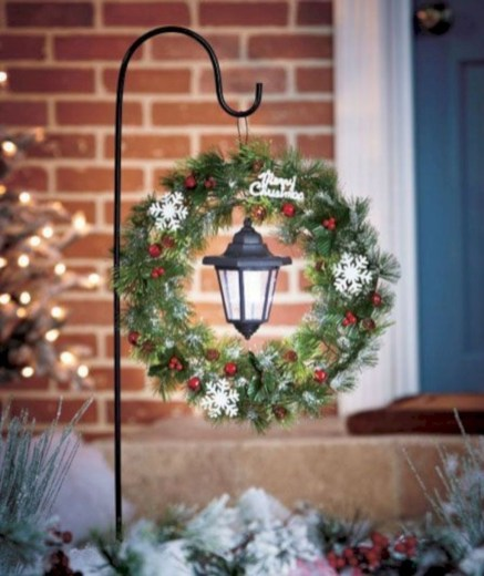 Attractive Front Yard Christmas Decoration Ideas45