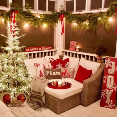 Attractive Front Yard Christmas Decoration Ideas46