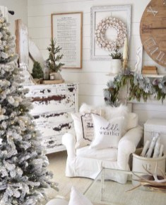 Awesome Vintage Christmas Living Room Decoration Ideas11