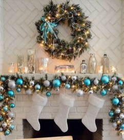 Incredible Christmas Mantel Decorating Ideas Budget03
