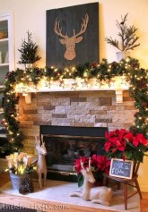 Incredible Christmas Mantel Decorating Ideas Budget27