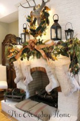 Incredible Christmas Mantel Decorating Ideas Budget28