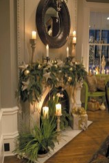 Incredible Christmas Mantel Decorating Ideas Budget29