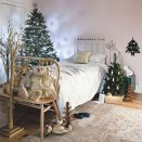 Perfect Christmas Bedroom Decorating Ideas07