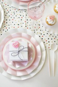 Best Décor Ideas For A Valentine'S Day Party23