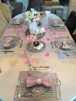 Creative Valentine Table Decoration Ideas19