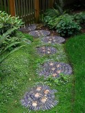 Inspiring Stepping Stone Pathway Decor Ideas For Your Garden19