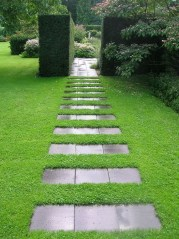 Inspiring Stepping Stone Pathway Decor Ideas For Your Garden26