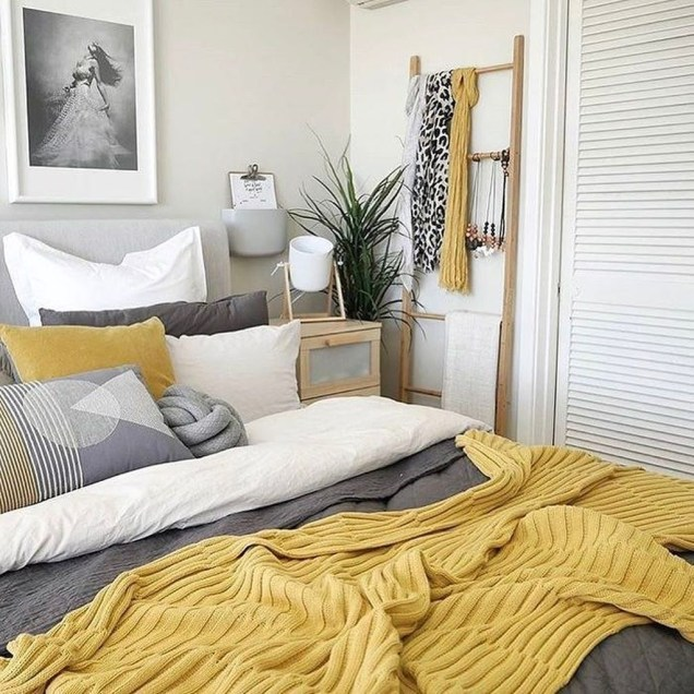 Perfect Yellow Bedroom Decoration And Design Ideas35
