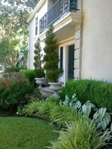Pretty Front Yard Landscaping Ideas14