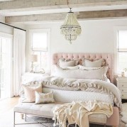 Rustic Romantic Master Bedroom Design Ideas02
