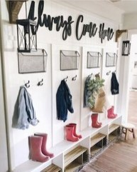 Awesome Mudroom Entryway Decorating Ideas24