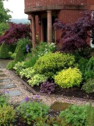 Comfy Low Maintenance Front Yard Landscaping Ideas04