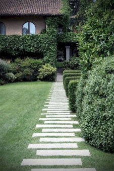 Comfy Low Maintenance Front Yard Landscaping Ideas16