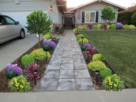 Comfy Low Maintenance Front Yard Landscaping Ideas39