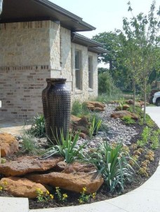Inexpensive Front Yard Landscaping Ideas17