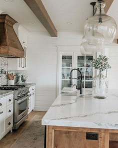 Pretty Farmhouse Kitchen Design Ideas To Get Traditional Accent23
