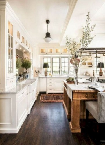 Pretty Farmhouse Kitchen Design Ideas To Get Traditional Accent41