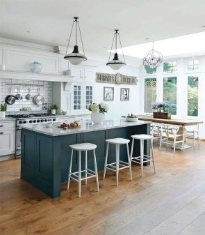 Stunning Kitchen Island Ideas With Seating25