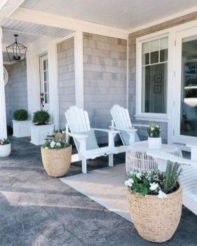 Adorable Porch Planter Ideas That Will Give A Unique Look26