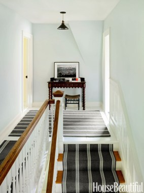 Beautiful Color Ideas For Your Stairs Decoration40